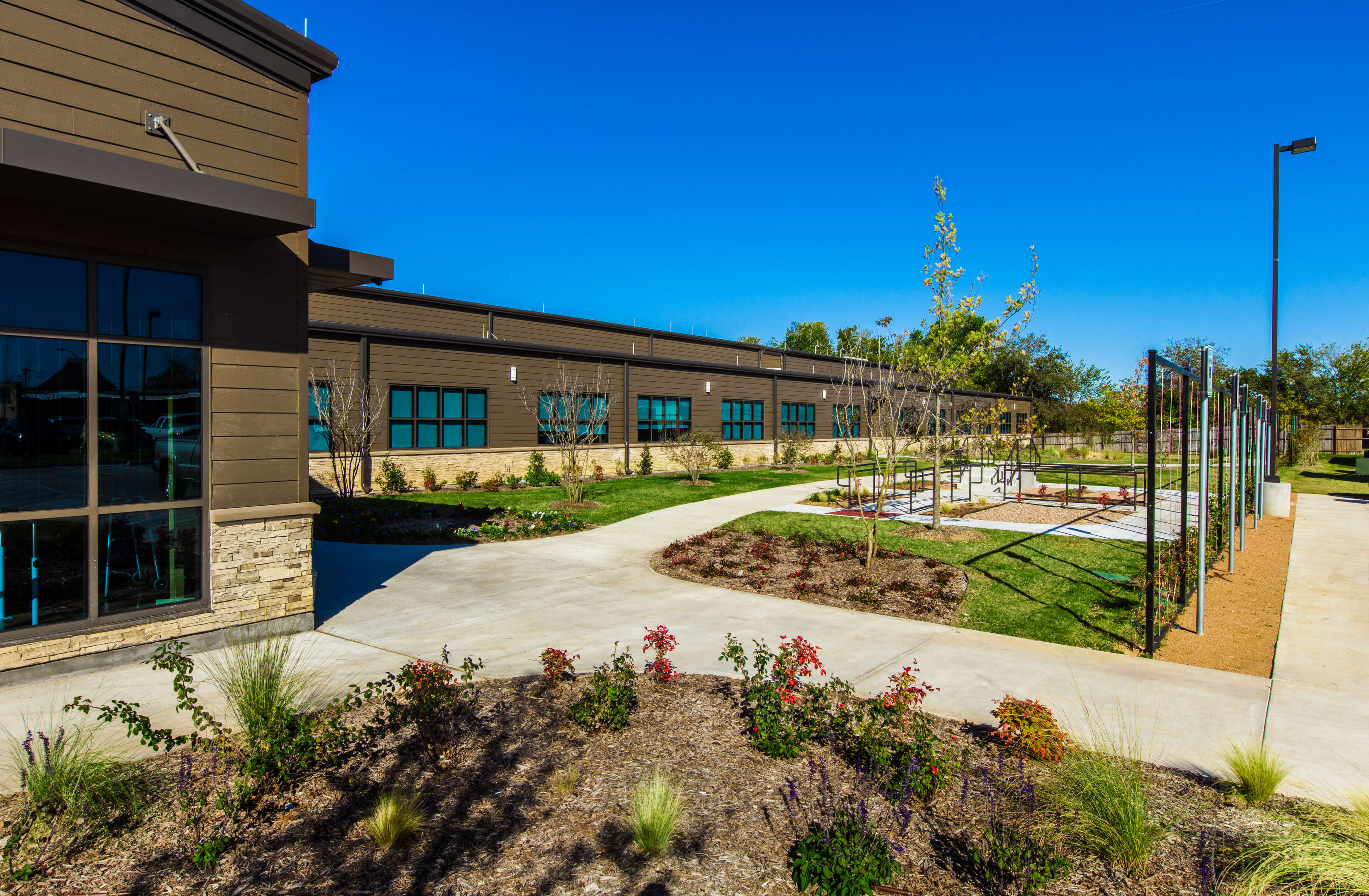 18-weatherford-rehab-hospital-with-colors-bumped-up-final-image-short-edge-10-x-300-dpi
