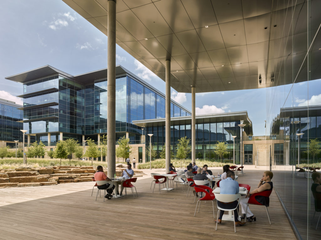 toyota-headquarters-courtyard